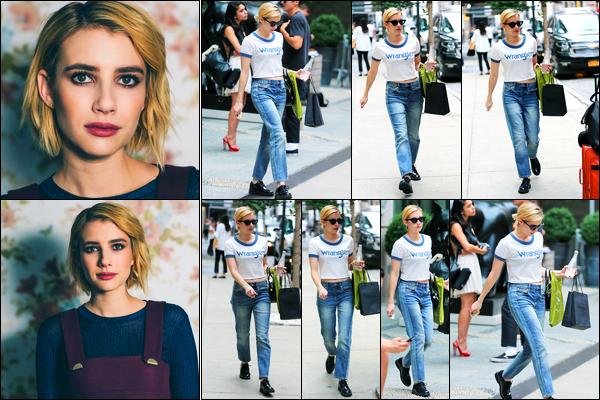 13.09.2017 ─ Emma Roberts a été photographiée alors qu'elle se promenait, dans les rues de la ville de Soho, NY.Vous pouvez également découvrir un nouveau photoshoot réalisée par Caitlin Cronenberg au Film Festival à Toronto ! Concernant sa tenue, c'est un top !