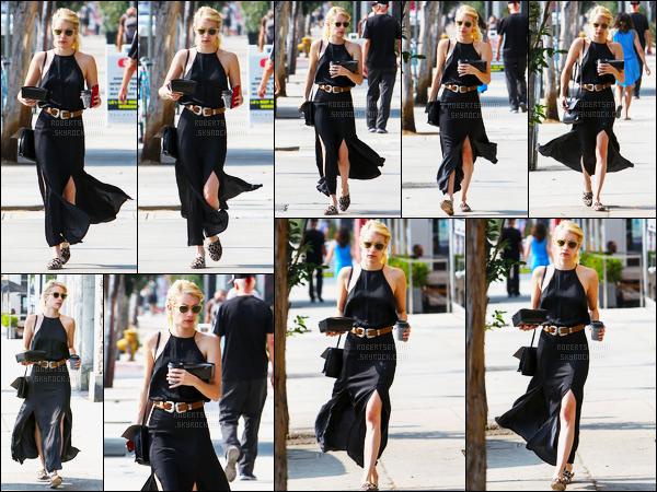 24.08.2016 ─ Emma Roberts a était vue alors qu'elle prenait un petit-déjeuner à emporter, dans West Hollywood.Emma R. a ensuite été photographiée alors qu'elle était dans les rues de West Hollywood... Concernant sa tenue, c'est un top de ma part, vous, avis ?