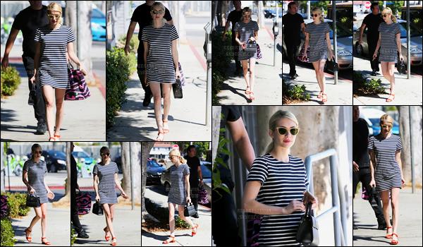 17.09.2016 ─ Emma Roberts a été photographiée alors qu'elle se promenait, dans les rues, dans West Hollywood.C'est dans une très jolie robe que nous retrouvons la magnifique blonde, j'aime beaucoup sa tenue, pour ma part c'est un top.. Dites moi votre avis !