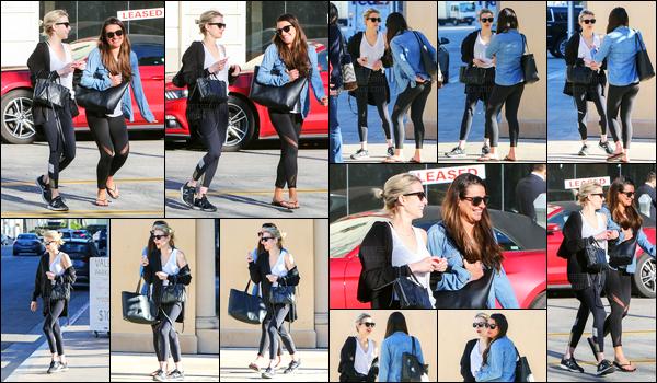 31.01.2017 ─ Emma Roberts a été photographiée alors qu'elle allait déjeuner avec Lea Michele, dans Beverly Hills.Après avoir déjeuner à Sugarfish, Emma a été photographiée faisant du shopping toujours avec son amie... Concernant sa tenue, c'est top pour moi !