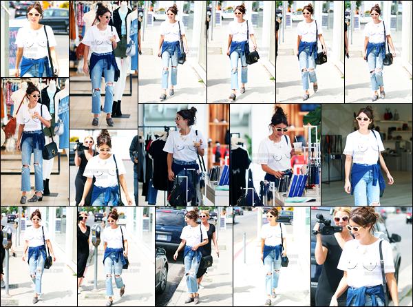 13.04.2017 ─ Emma Roberts a été photographiée alors qu'elle quittait le « Rebecca Minkoff » étant à Los Angeles.C'est seule que la belle Emma a été vue faisant du shopping.. Concernant sa tenue, c'est un jolie top de ma part, personnellement. Et vous, vos avis ?
