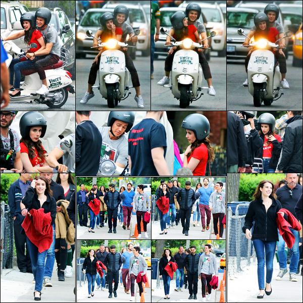 30.05.2017 ─ Emma Roberts a été photographiée alors qu'elle était sur le set du film « Little Italy » dans Toronto.C'est avec son partenaire du film et sur un scooter que la belle a été vue tournant une scène. Concernant sa tenue, c'est la même qu'auparavant, top.