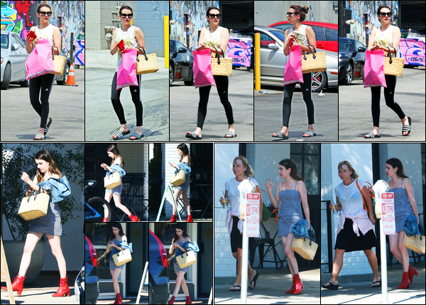 15.07.2017 ─ Emma Roberts a été photographiée, alors, qu'elle faisait du shopping étant dans le West Hollywood.Le 28/07, Emma Roberts a été photographiée quittant le « Joan's on Third » avec une amie... Concernant ses tenues, c'est deux beaux tops de ma part !