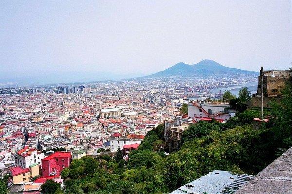 . Les plus grandes villes d'Italie : partie 2 : Naples et Turin   .