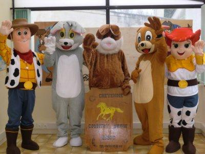 nos mascottes enfin prete et dispo pour vos fete country festival anniversaire maison de retraite et autre manifestation
