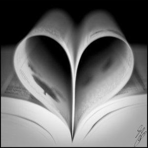 On ne peut jamais tourner une page de sa vie sans que s'y accroche une certaine nostalgie.  Eve Belisle