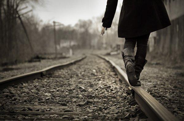 N'importe quel chemin mène à toi, et pourtant, n'importe quel pas nous éloignent...