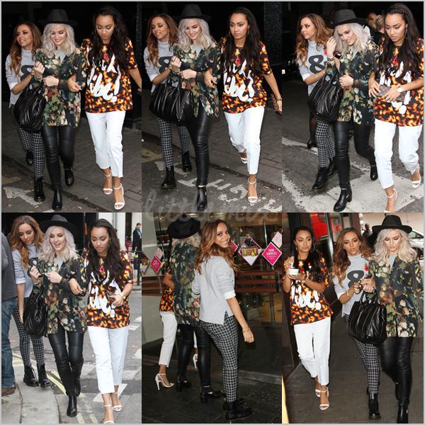 07/11/13 Little Mix sont arrivées, main dans la main, au BBC Radio 1 Live Lounge où elles ont chanté Move et un mashup de Counting Stars & Holy Grail en acoustique.