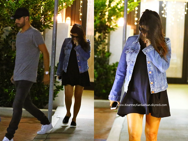 16/09/2014 : Kourtney et son fiancé Scott quittant un restaurant à Calabasas.