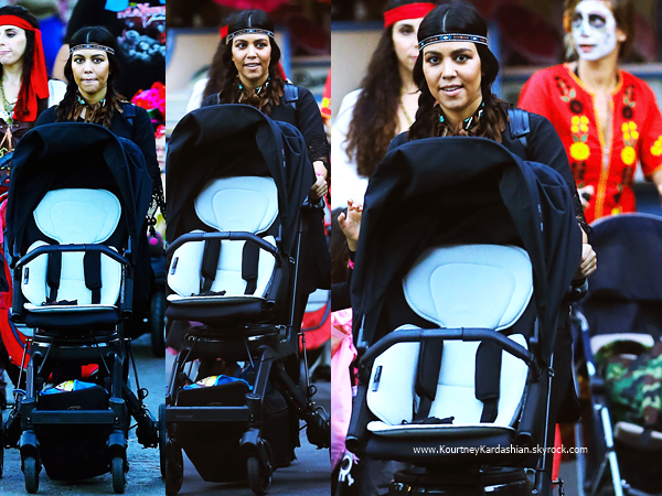 20/10/2014 : Kourtney et son fils Mason au Mickey's Halloween Party à Disneyland à Anaheim.
