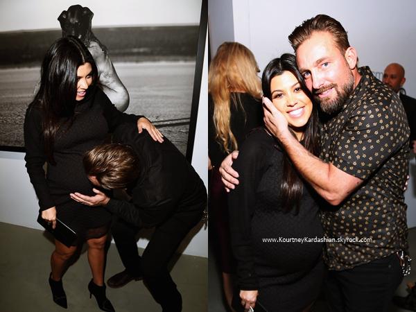 23/10/2014 : Kourtney arrivant au Brian Bowen Smith's WILDLIFE show à West Hollywood.