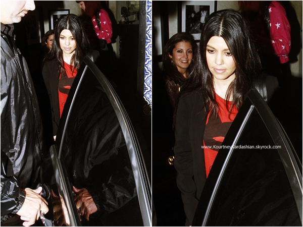 05/02/2015 : Kourtney et son amie Nicole Richie quittant le restaurant Casa Vega à Sherman Oaks.