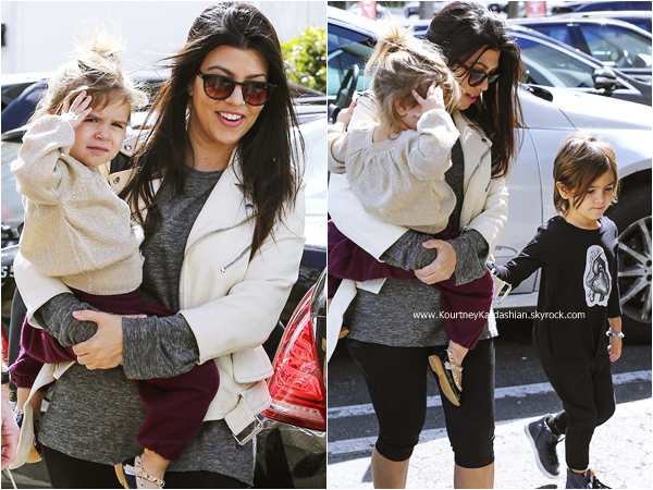 28/02/2015 : Kourtney arrivant avec ses enfants au Sky High Sports Trampoline Park à Woodland Hills.