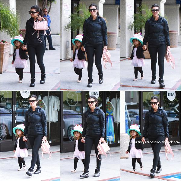 21/05/2015 : Kourtney emmenant sa fille Penelope à son cours de danse à Calabasas.