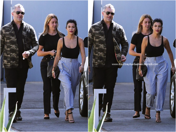01/10/2015 : Kourtney se rendant à un rendez-vous professionnel à Los Angeles.