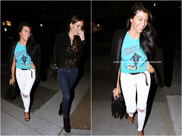 07/10/2015 : Kourtney et une amie se rendant au restaurant La Scala à Los Angeles.
