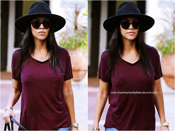 20/10/2015 : Kourtney quittant la boutique La Perla à Beverly Hills.