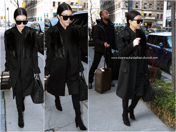 12/02/2016 : Kourtney quittant son hôtel à New-York.