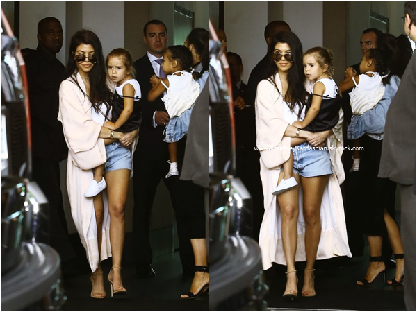 24/04/2016 : Kourtney, Penelope, Kim, et North se rendant à l'église Rich Wilkerson Jr's Vous à Miami.