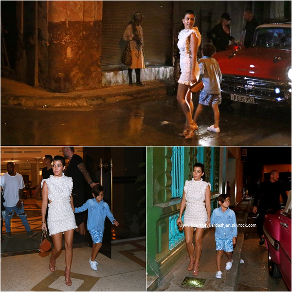 ??/05/2016 : Kourtney et son fils Mason se promenant dans les rues de Cuba.
