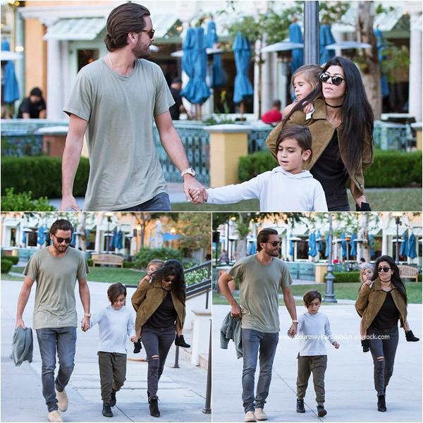 07/05/2016 : Kourtney, Scott et leurs enfants allant dîner dans un restaurant italien à Calabasas.