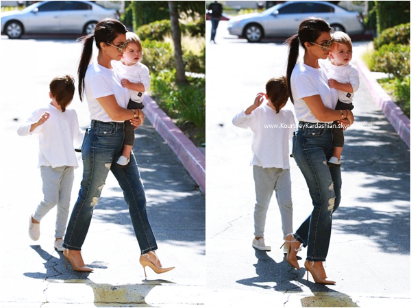 17/05/2016 : Kourtney et ses enfants se promenant à Los Angeles.
