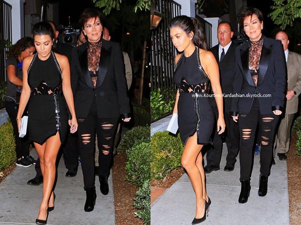 19/10/2016 : Kourtney et sa maman Kris arrivant au restaurant Gracias Madre à West Hollywood.