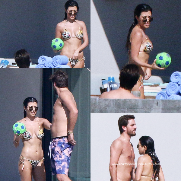 12/11/2016 : Kourtney arrivant avec Scott à Los Cabos au Mexique.