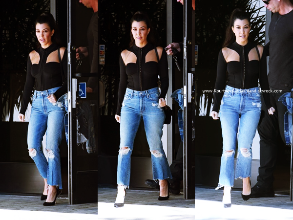 23/02/2017 : Kourtney quittant un studio à Los Angeles.
