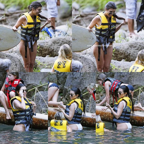 02/04/2017 : Kourtney et sa famille en vacances à Hawaii.