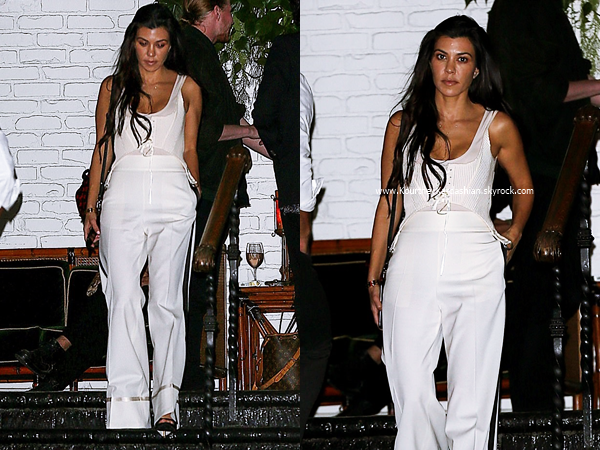 20/04/2017 : Kourtney quittant un studio à Los Angeles.