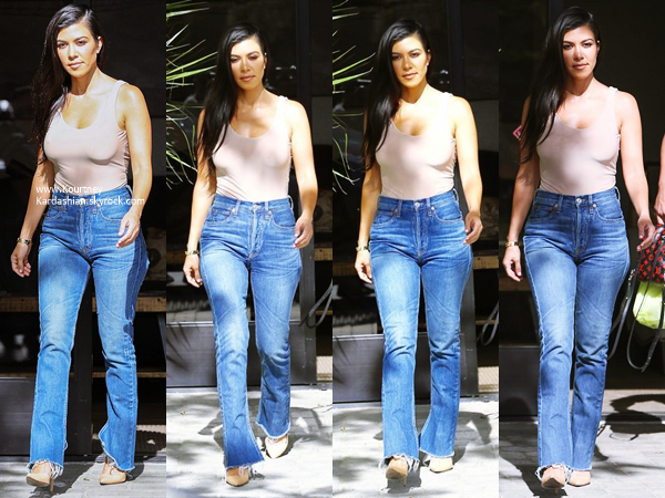 29/04/2017 : Kourtney quittant un studio à Westlake.