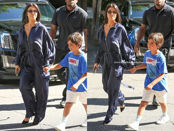 13/06/2017 : Kourtney et son fils Mason se rendant à un cours d'art à Woodland Hills