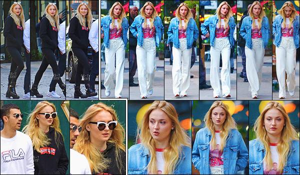 09/05/17 : Sophie Turner et son copain Joe Jonas ont été vus allant déjeuner - New York.   Plus tard, les amoureux ont à nouveau été vus se promenant dans Manhattan. La belle n'avait pas l'air ravis de voir les paparazzi...