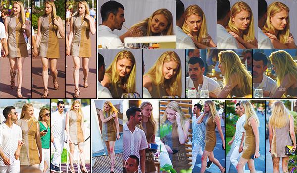 23/05/17 : Sophie T. et Joe J. ont à nouveau été vus dans un restaurant - Cannes, France.    Les tourtereaux profitent de leur voyage dans le Sud de la France. Soph' était encore une fois sublime je suis fan de sa robe. Top !