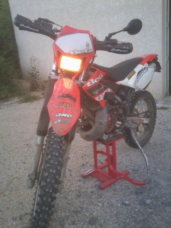 VOCI MON FAMEUX VEHICULE --> --> BETA RR 50 Enduro Racing