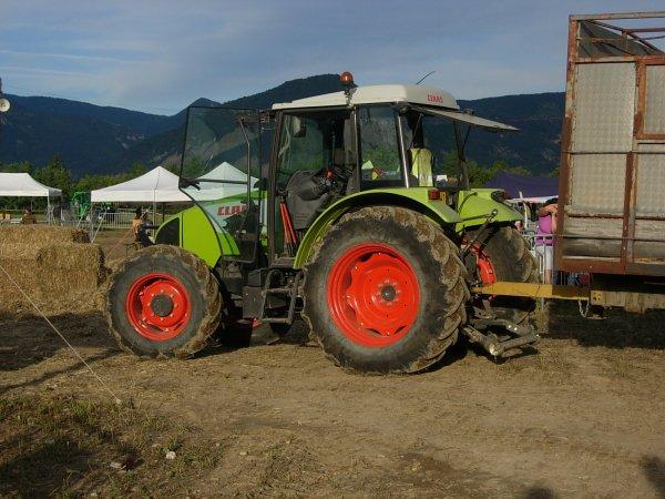 Foire MENGLON ( 26 ) - Claas CELTIS 446 PLUS  +Betaillere - 28 Aout 2011
