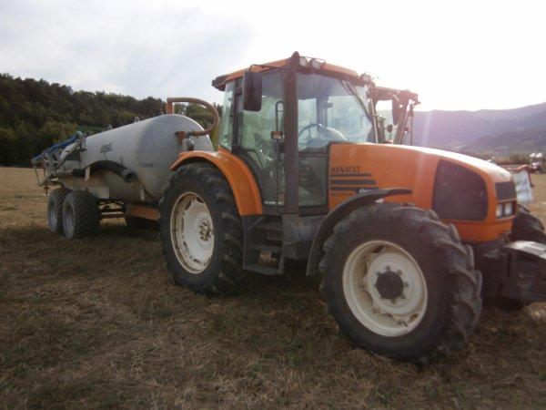 Foire MENGLON ( 26 ) - Renault ARES 620 RX + Tonne OMAS - 28 Aout 2011