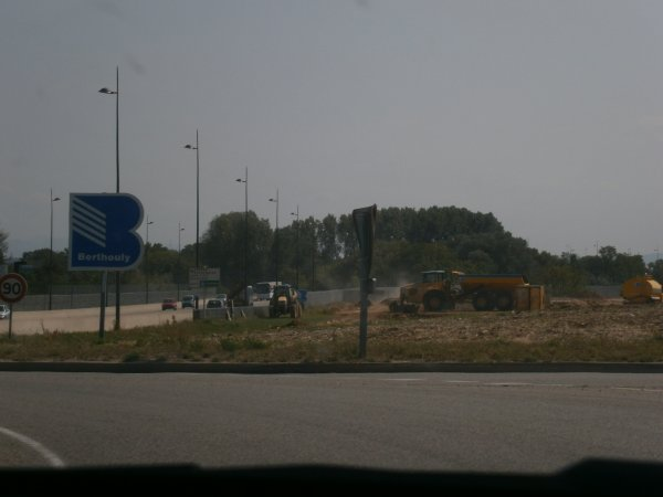 Chantier de T.P. --> Camions, Tomberaux et Pelleteuses - 30 Août 2011