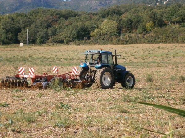 Dechaumage 2011 - NH 8160 + Gregoire Besson - 05 Septembre 2011