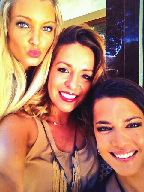 Merci pour vos mess si touchants je vous aime en mode #debrief Anniv With my lovely girls