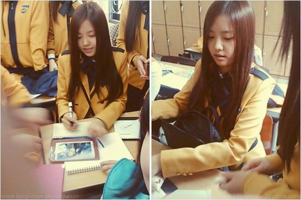 Quelques photos en bazar - Quand les A-Pink posent : photos personnelles (+) photos pré-débutChoRong sur le chemin de Music Bank - NaEun à l'école