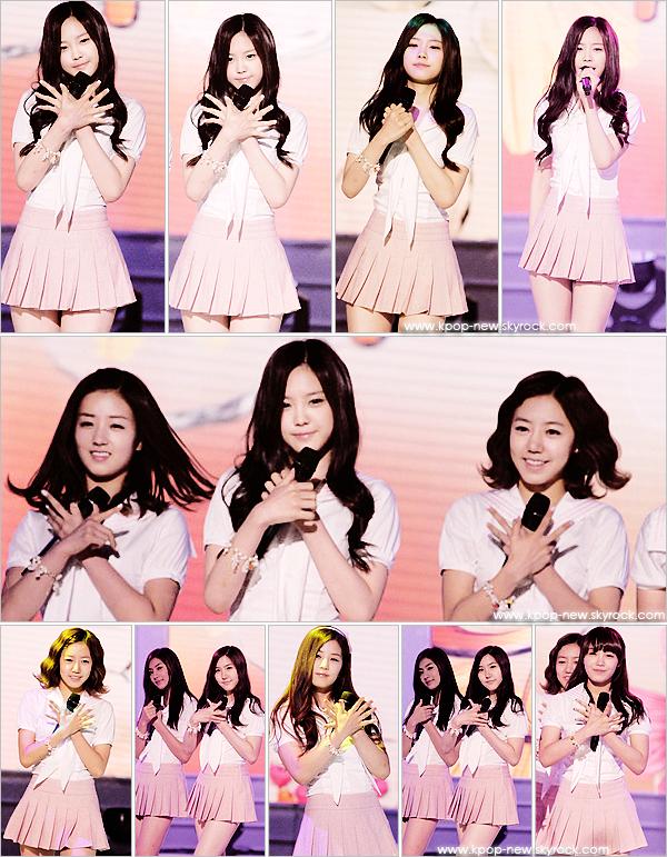 A-Pink au 'Love Request' - Fan Signing - Photos datant du Fan Signing à Incheon