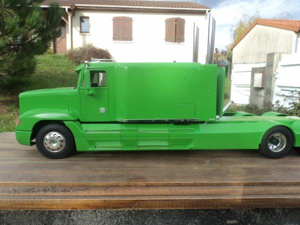 Freightliner FLD 207