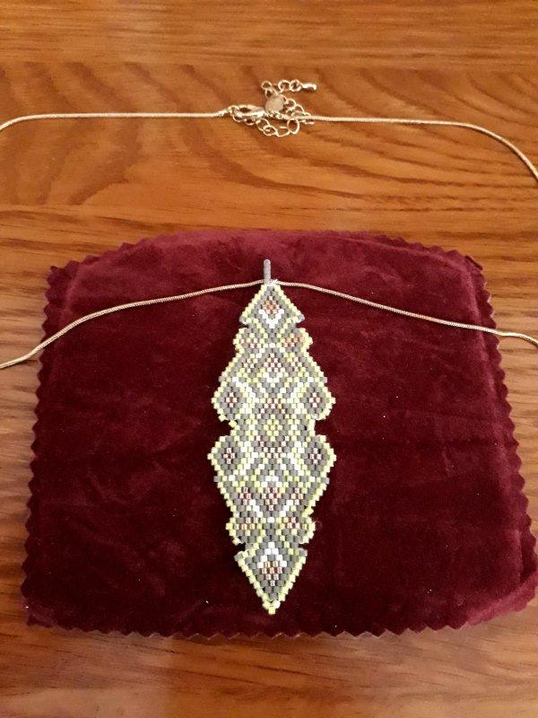 une série de bijoux supplémentaire