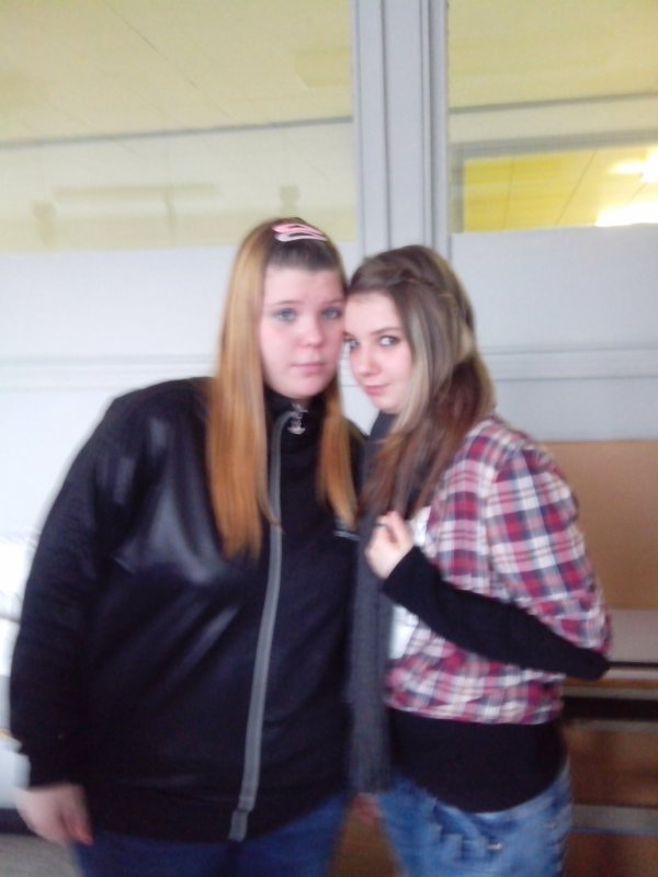 moii et ma grande soeur dcoeur :-)