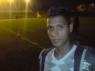 moi dns le Stade ( la nuit )