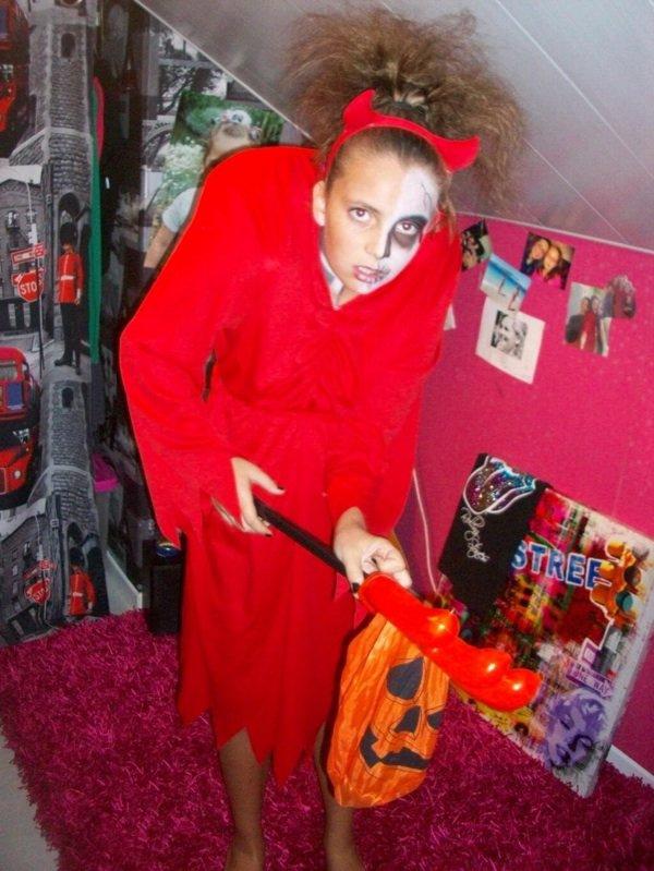 la s½ur d'Elisa de Valenciennes en mode Halloween