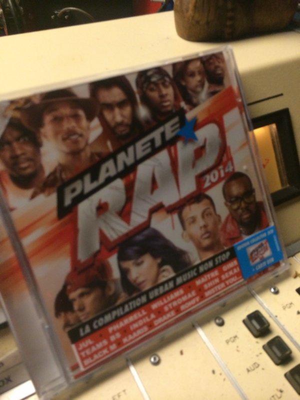 La compile Planète Rap 2014 que je vous offre dans la roulette!