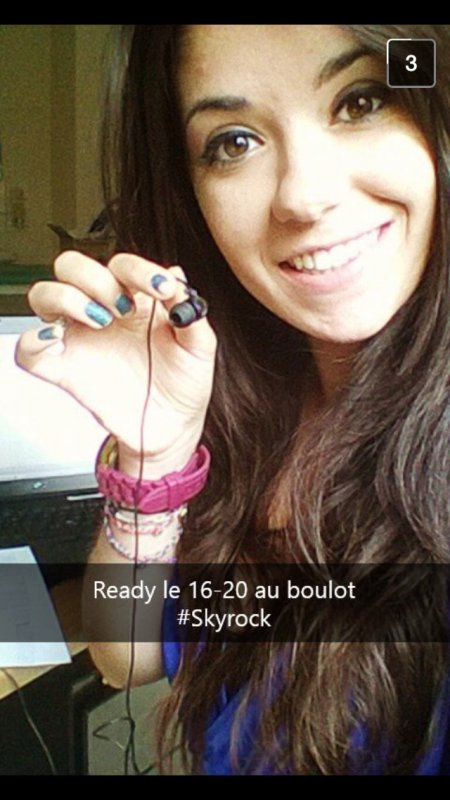 Justine en mode 16-20 sur snapchat ! ?